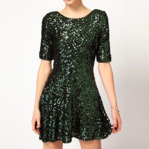 🎄Holiday Vibes🎁 Green Sequin Skater Dress 2